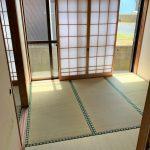 1階 和室4.5畳 道路側の和室とキッチンをつなぐ和室 ふすまを解放すれば広く取れます(内装)